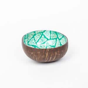 Kokosnussschale in Türkis von der Seite