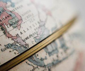 Ein Globus mit Aussicht auf Süd-Ost-Asien